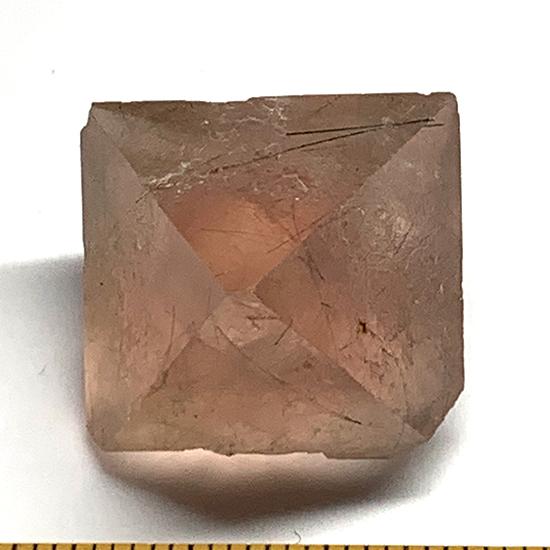 ピンク八面体蛍石/きらら舎