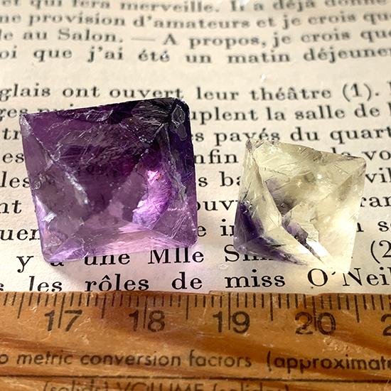 イリノイ州産八面体蛍石