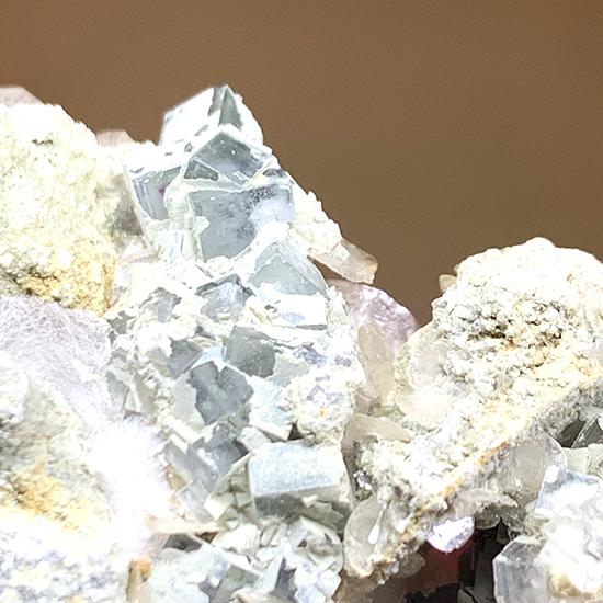 鱗片方解石と蛍石/きらら舎